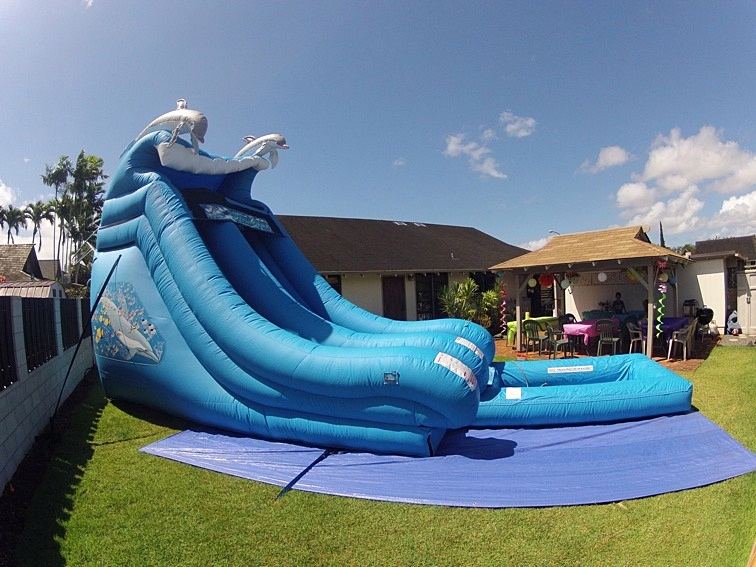 18-foot-high-water-slide-rental-Hawaii